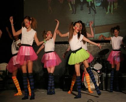 pic_3210_pali_dance2