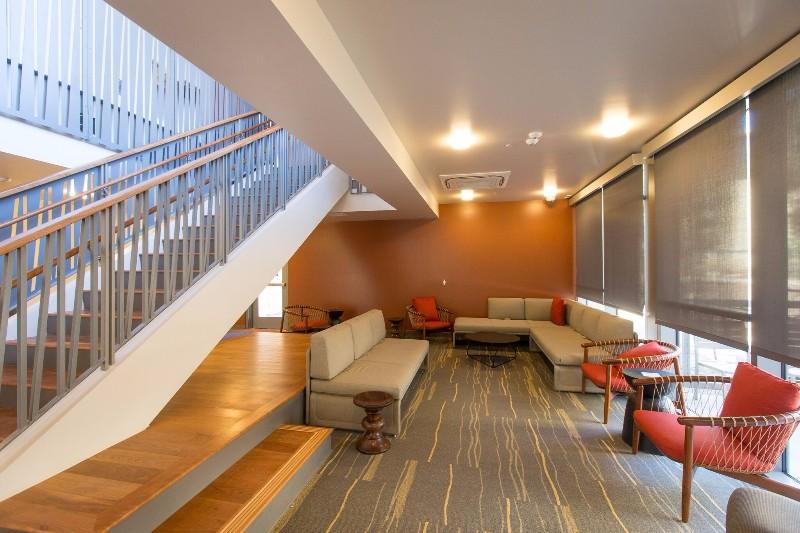 GLC-lounge-red