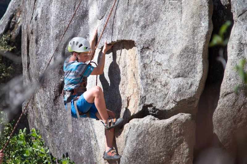 photo-contest-2016-jeremy-meehan-rock-climbing-ant-hill-start-min